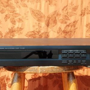 Yamaha_TX-492-Front
